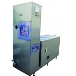 Urządzenie do obiegowego czyszczenia wnętrza zbiorników podgrzewane elektrycznie i parą